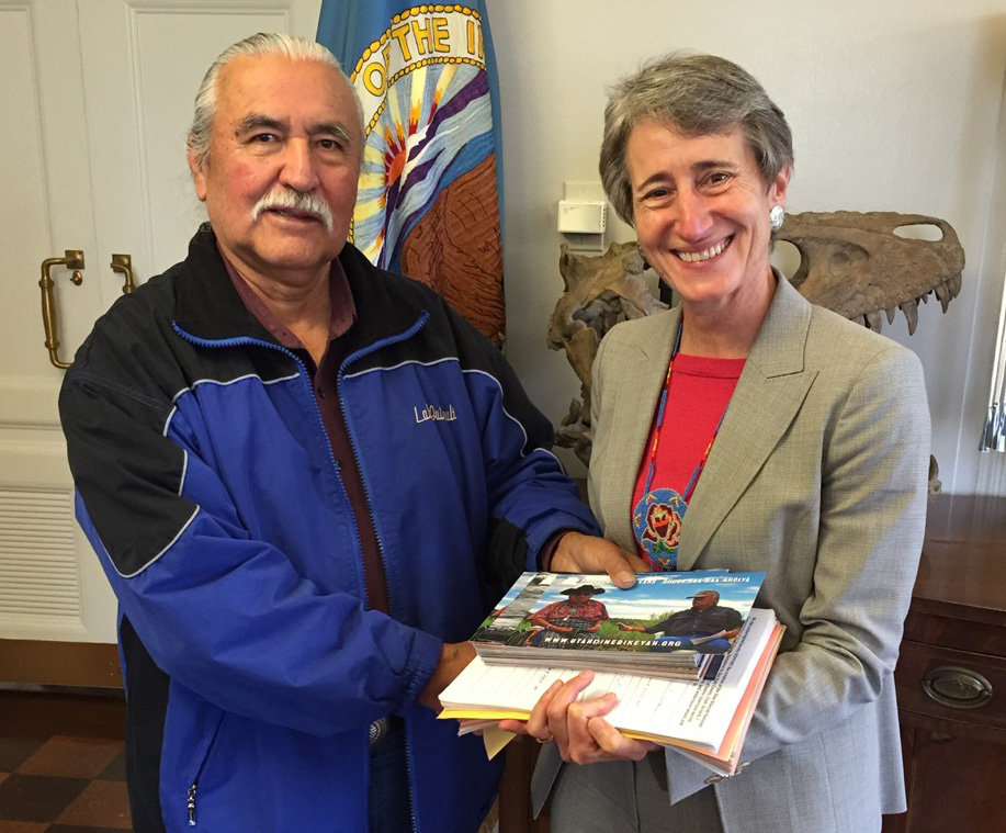 Willie Grayeyes with U.S. Secretary of the Interior Sally Jewel